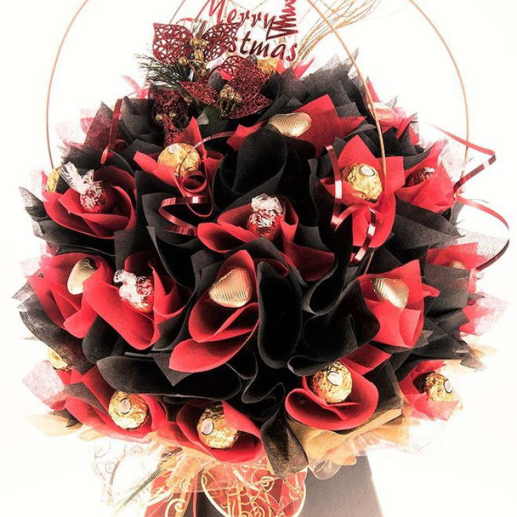 Red and Gold Christmas chocolate bouquet